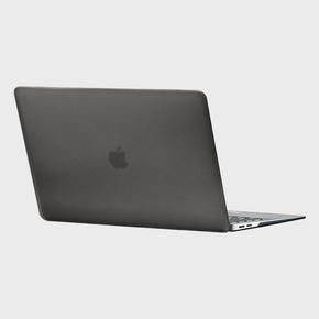 "Product  Uniq Claro Hard Shell Case for MacBook Pro 16"" - Smoke base image"